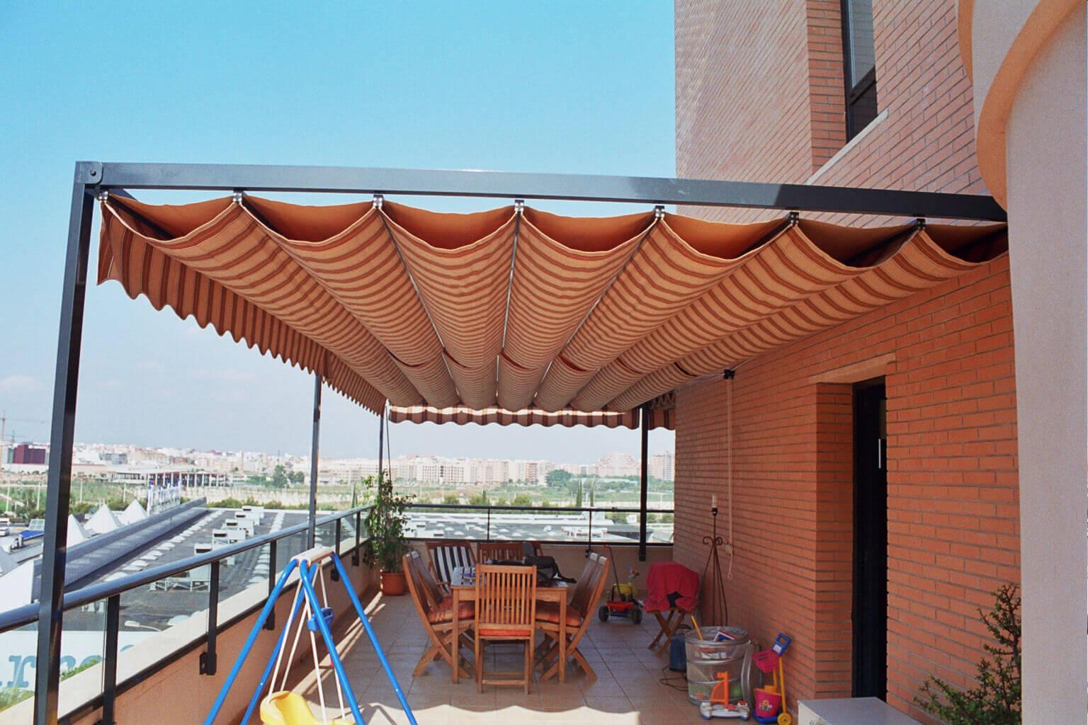 Toldo p rgola persianas g mez for Toldos para terrazas economicos